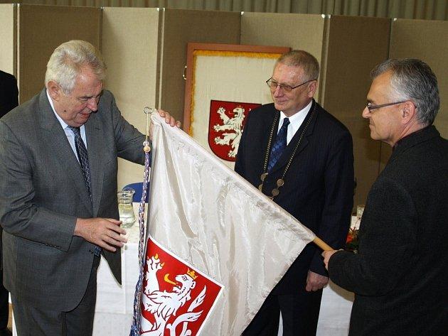 Prezident České repubilky během dvé oficiální návštěvy Plzeňského kraje zavítal také na Tachovsko.