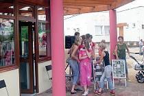 Patnáctý ročník Country festivalu Setkání pod Volfštejnem se letos poprvé uskuteční v černošínském infoparku.