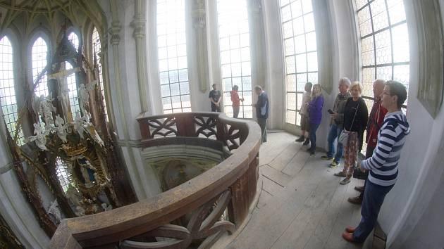 Kladruby - Návštěvníci kladrubského kláštera se mohli poprvé podívat na krovy kostela Nanebevzetí Panny Marie