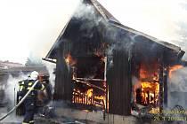Požár chatky v Tachově.