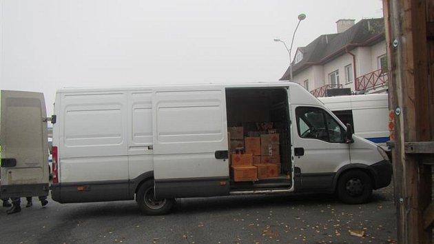 Bez povolení převážel přepravce zábavní pyrotechniku, která měla skončit na tržnicích na západě Čech