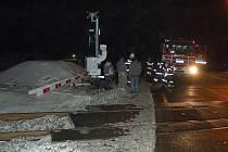 Nehoda na železničním přejezdu v Chodové Plané