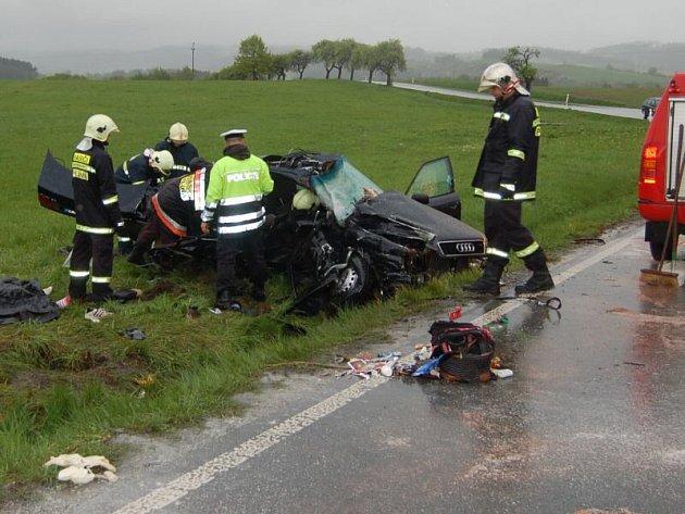 Tragická dopravní nehoda u Chodové Plané