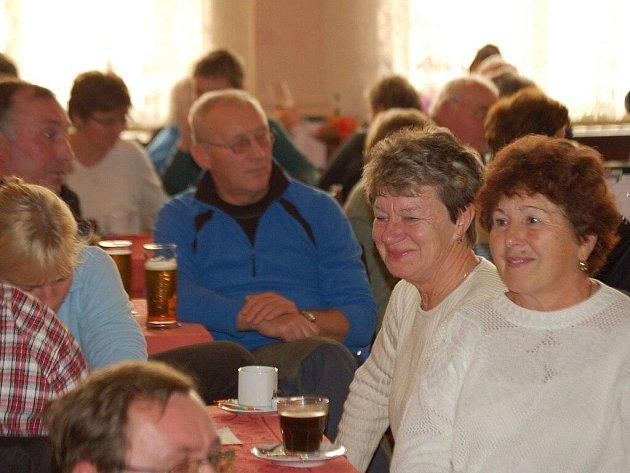 Ve Stříbře se sešlo šest set turistů