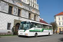 Stříbrské MHD dostalo do výbavy nový autobus se speciální rampou pro vozíčkáře a kočárky