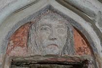 Opravami prochází také sanktuárium v kostele v Brodu.