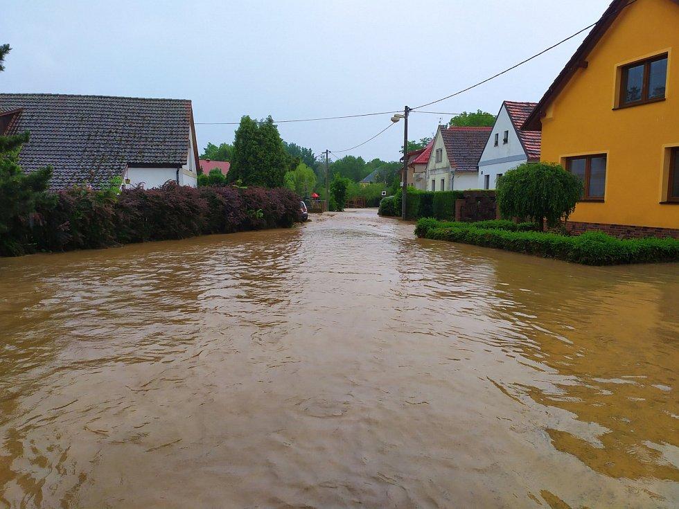 Záplavy v Holostřevech.