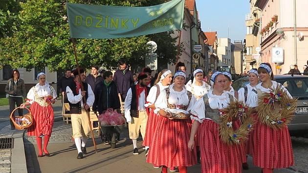 Studenti s veřejností oslavili závěr sklizně a ukončení hospodářského roku.