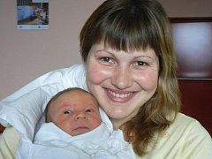 Olze Dulovcové a Janu Markovi z Tachova se 18. 12. v 16.07 narodil ve FN v Plzni prvorozený syn Kamil (3,86 kg, 51 cm). Maminka si pochvaluje, jak jí novopečený tatínek zdatně pomáhal při porodu.