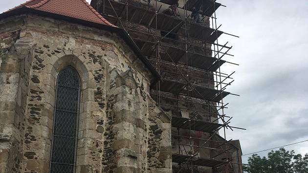 Kostel v Kostelci.