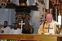 Na údržbu církevních staveb bychom potřebovali dvacet milionů korun ročně. Nemluvě o penězích na rekonstrukce, říká tachovský vikář Vladimír Born (na snímku.)