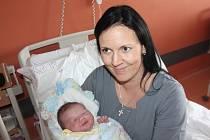 Lilien Vajskebrová z Tachova (4250 gramů, 52 cm) se narodila v klatovské porodnici 23. března v 10.25 hodin. Rodiče Monika a Martin přivítali očekávanou dcerku na svět společně. Doma na sestřičku čekají Nikolka (13) a Denisek (6).