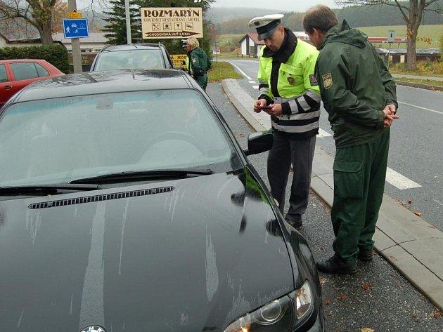 Překonávat jazykovou bariéru pomáhají policistům z Tachova vedle intenzivních jazykových kurzů také součinnostní akce s  jejich německými kolegy