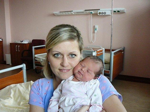 Ke dvouletému Martinovi přibyla Jaroslavovi a Aleně Metlickým z Toužimi novorozená dcera Michaela (3,50 kg, 51 cm). Holčička přišla na svět 10. února v 18:16 hod. ve Fakultní nemocnici v Plzni.