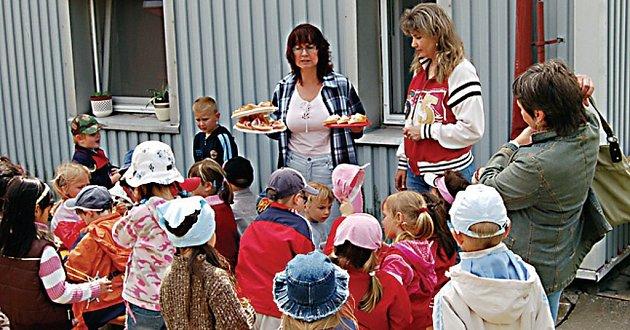 Po výletě přišlo dětem občerstvení vhod.