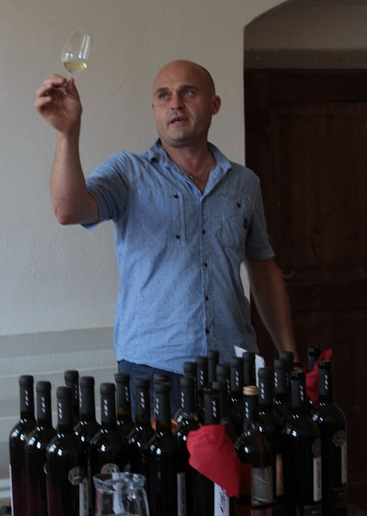 Slavnosti vína a medu v klášteře v Kladrubech.
