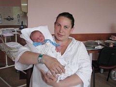 David (3,19 kg, 49 cm) se narodil 28. 5. v 11:19 ve Fakultní nemocnici v Plzni. Na světě svého prvorozeného syna přivítali maminka Adriana Lukáčová a tatínek David Chmelař  z Plané.
