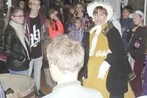 Ředitelka tachovského muzea Jana Hutníková provázela návštěvníky v dobovém kostýmu.
