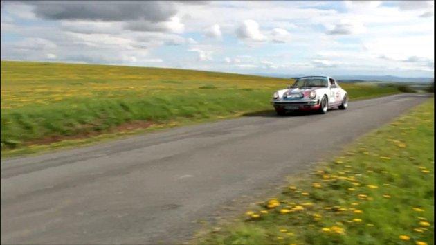 Rallye Wiesbaden na Tachovsku. Závodní vozy projely i Michalovy Hory a Boněnov.