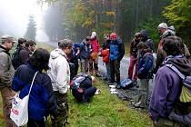 Mykologové při svém setkání v Českém lese.