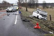Dopravní nehoda u Velkých Dvorců.