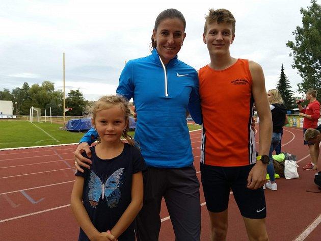 Mentorkou talentovaného stříbrského atleta byla na ústeckoorlickém ovále česká reprezentantka Zuzana Hejnová.