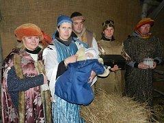 Starosedlští se sešli u živého betlému