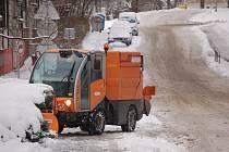 Tachov uklízel sníh. 27. listopadu 2007