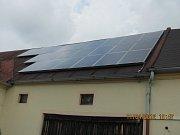 SOLÁRNÍ PANELY na střeše přinášejí nejen energii, ale také povinnost různých pravidelných plateb.