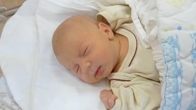 Samuel (3,39 kg, 50 cm) se narodil 17. listopadu v 16:59 ve Fakultní nemocnici v Plzni. Na světě svého prvorozeného chlapečka přivítali maminka Aneta Rulíková a Roman Propper ze Sytna.