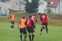 V Dlouhém Újezdu se v sobotu uskutečnil fotbalový turnaj za účasti čtyř mužstev