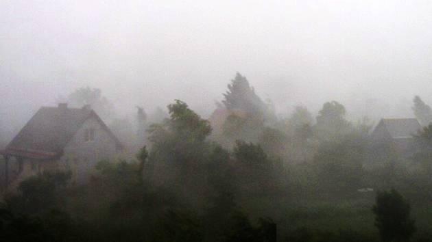 Silná bouře se přehnala i nad Vysokým Sedlištěm.