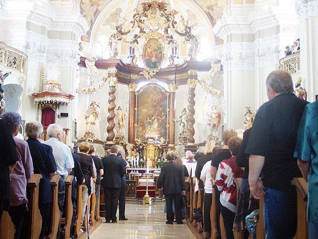 V sobotu se uskutečnilo poslední rozloučení s borským farářem