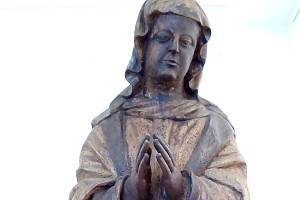 Socha Světice je zpět na zámku v Tachově.