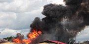 Požár skladu plynových lahví v Plané na Tachovsku.