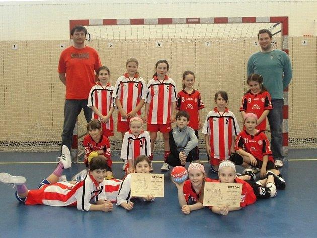 Nejmladší tachovská házenkářská generace vybojovala na turnaji v Plzni 1. (A tým) a 4. (B tým) místo.