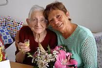 Marie Černá, která bydlí v penzionu v Tachově, oslavila krásné narozeniny, a to rovných jednadevadesát let.