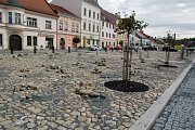Rekonstrukce náměstí proběhla podle plánu, náměstí je téměř hotové.