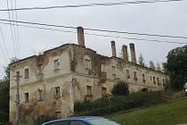 Ruiny ošelínského zámku.