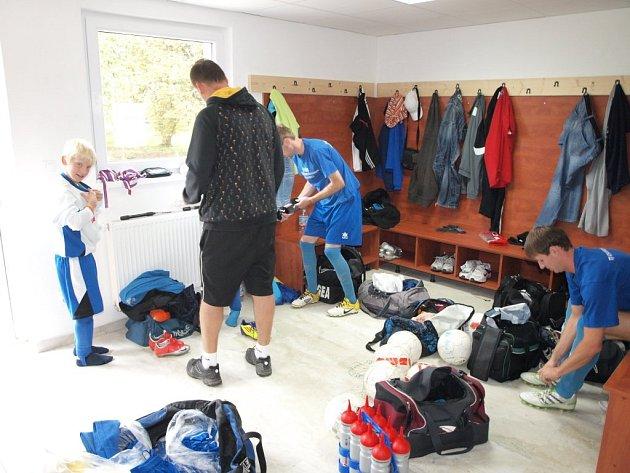 Hřiště v Horní Jadruži se může pyšnit novými kabinami.