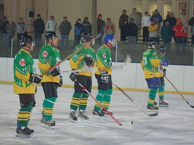 Ve Stříbře se hrálo utkání regionálního přeboru v ledním hokeji, Buldoci zdolali Přimdu 7:4