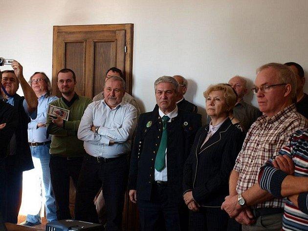 HORNÍCI Z TACHOVSKA se na konci minulého týdne v Ostravě zúčastnili schůze hornických a hutnických spolků České republiky.