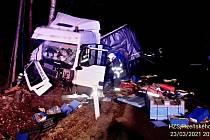 Havárie kamionu u Kladrub.