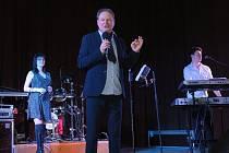 Večerem provázel charismatický Petr Jančařík