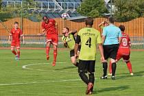 Jan Viterna (číslo 8, v červeném).
