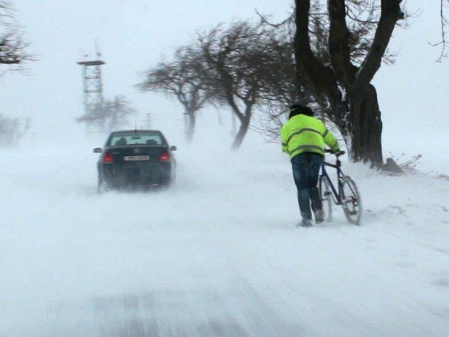 Pátek 13. ledna 2017 a sněhové komplikace na silnicích Tachovska