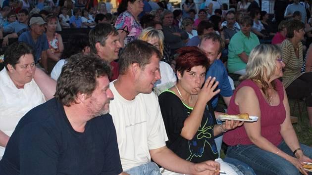 Na stříbrské slavnosti zavítala i kapela Děda Mládek Illegal Band. O přestávce se na zeď jednoho kasárenského domu promítal fotbalový zápas mezi Českou republikou a Polskem na Euru 2012