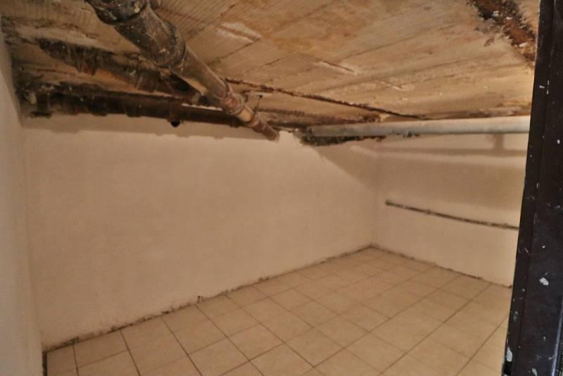 Z rekonstrukce v mateřské škole Prokopa Velikého v Tachově. Stav ke středě 13. října.