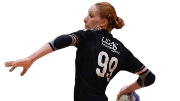 Tachovská házenkářka Zdeňka Friedel (na snímku) v posledním utkání nasázela 15 branek. Kolik gólů nastřílí v sobotu v Turnově?