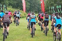 V Nové Vsi u Přimdy startoval Superior Bike Adventure, bodovací cyklistický závod dvojic.
